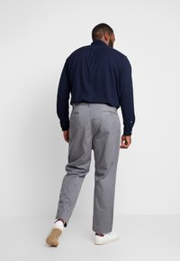 Polo Ralph Lauren Big & Tall - CLASSIC FIT BEDFORD PANT - Chinos - norfolk grey - 2