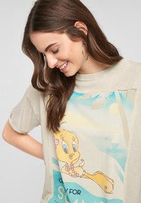 QS by s.Oliver - LOONEY TUNES - Print T-shirt - beige - 3