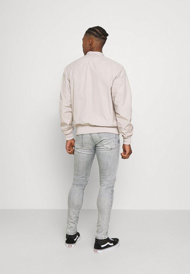 FINSBURY - Skinny džíny - denim