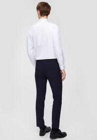 Selected Homme - SLHSLIMPEN - Business skjorter - bright white - 2