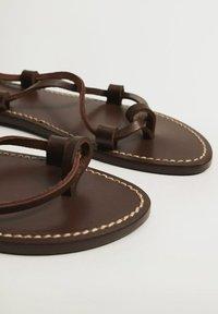 Mango - T-bar sandals - schokolade - 4