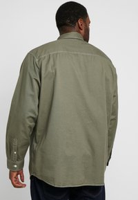 Jack & Jones - JORVICTOR - Skjorter - dusty olive - 2