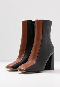 Bianca Di - Ankelboots med høye hæler - nero - 4