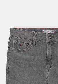 Tommy Hilfiger - SYLVIA SKINNY - Jeans Skinny Fit - summer pearl grey - 2