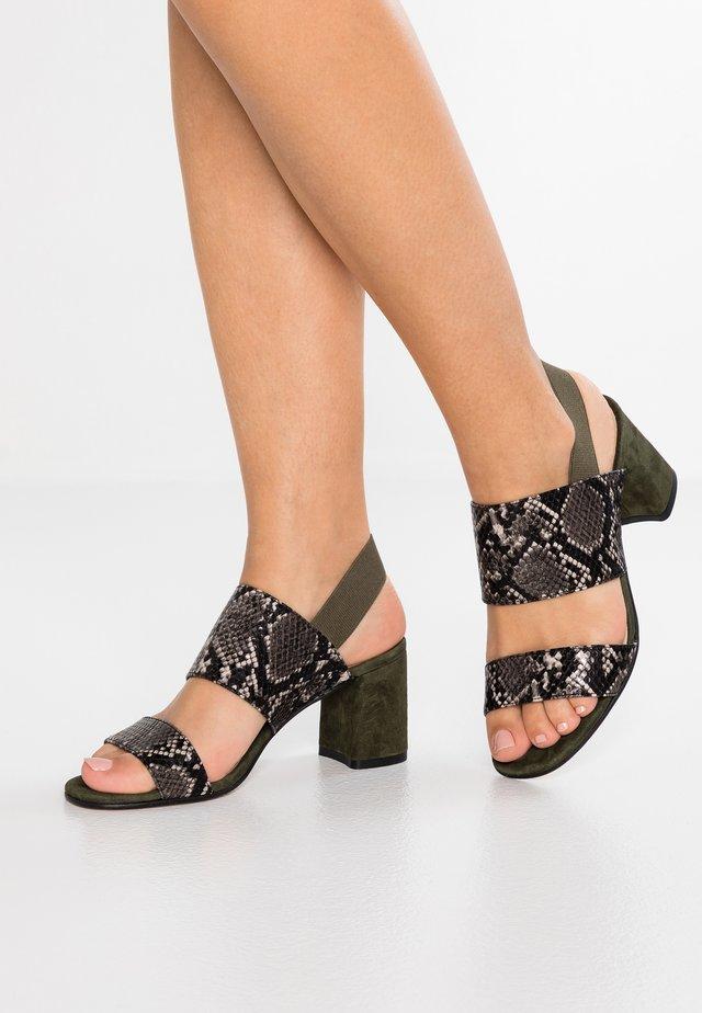 Sandály - multicolor