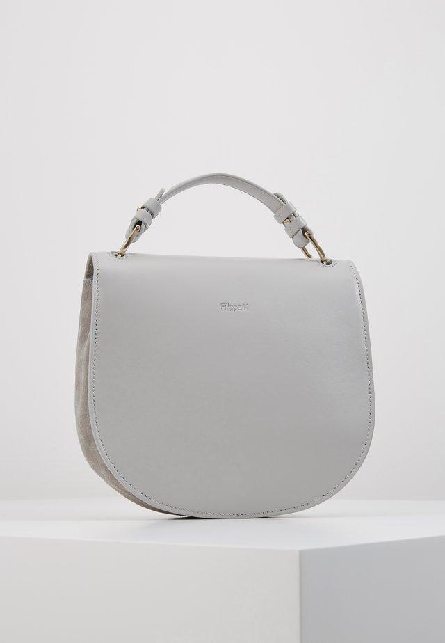 HARLEY SADDLE LEATHER BAG - Handbag - sterling grey