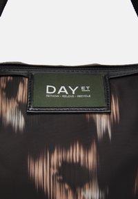 DAY ET - GWENETH IKAT CROSS - Tote bag - black - 3