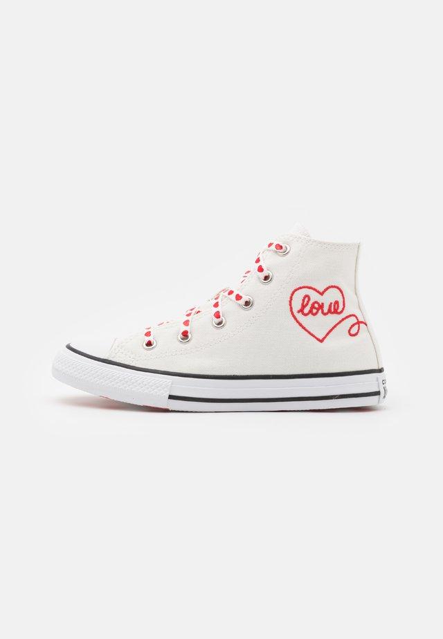 CHUCK TAYLOR ALL STAR - Zapatillas altas - vintage white/university red/black