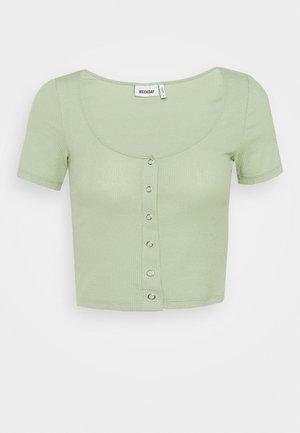 BARTOLA - Basic T-shirt - pistachio