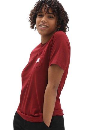 WM CLASSIC PATCH POCKET - Print T-shirt - pomegranate