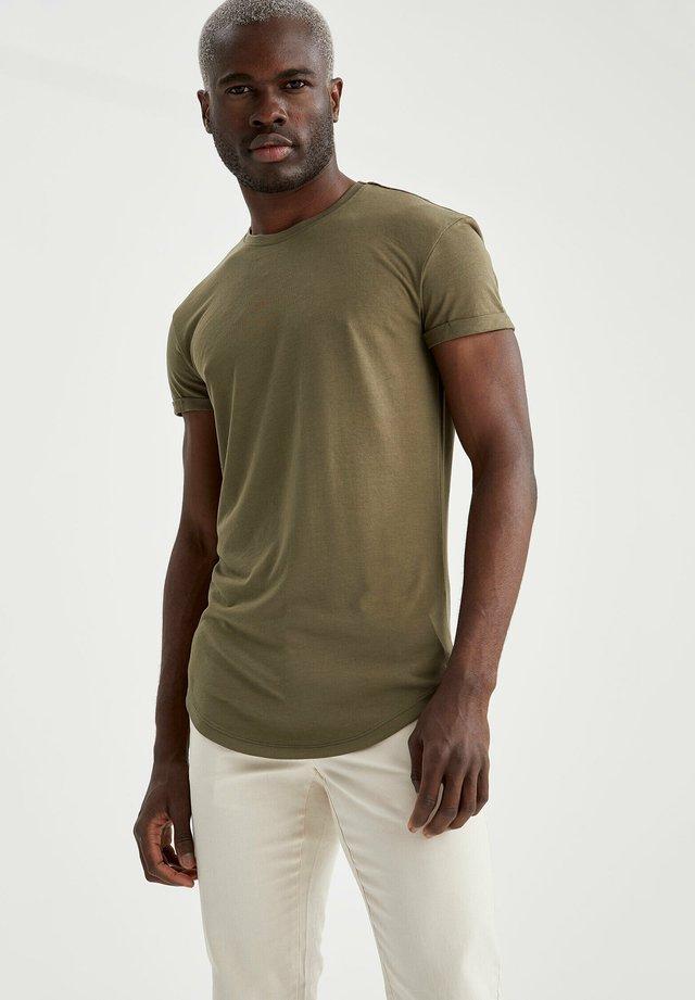 LONG FIT - T-shirt basic - khaki