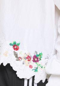 adidas Originals - BLOUSON - Blusa - white - 5
