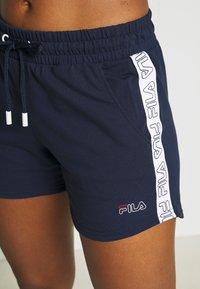 Fila - JADIANA TAPED SHORTS - Pantalón corto de deporte - black iris - 3