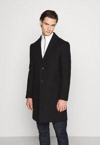 Isaac Dewhirst - OPTION - Classic coat - black - 0