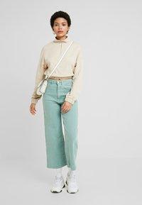 Gina Tricot - Sweatshirt - light beige - 1