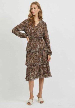 VIFULLA V-NECK DRESS - Day dress - tigers eye