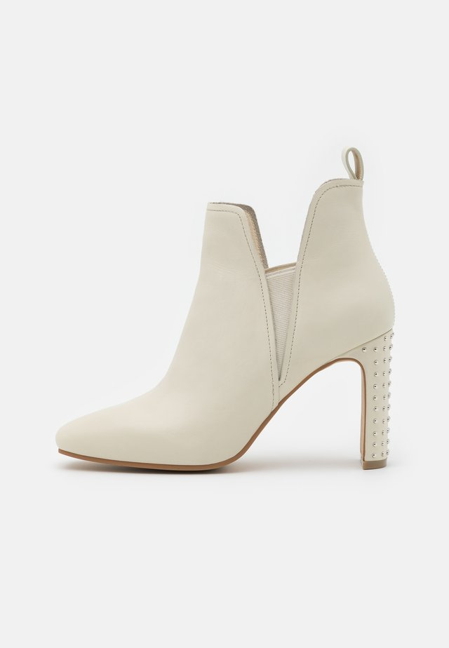 HAYLEY - High heeled ankle boots - bone