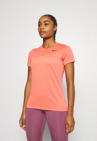 Nike Performance - TEE CREW - T-shirt basique - magic ember - 0