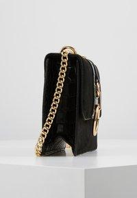 New Look - ROXANNE RING DETAIL CHAIN SHOULDER - Across body bag - black - 3