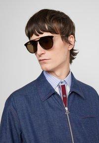Gucci - Sluneční brýle - havana/gold-coloured/brown - 1