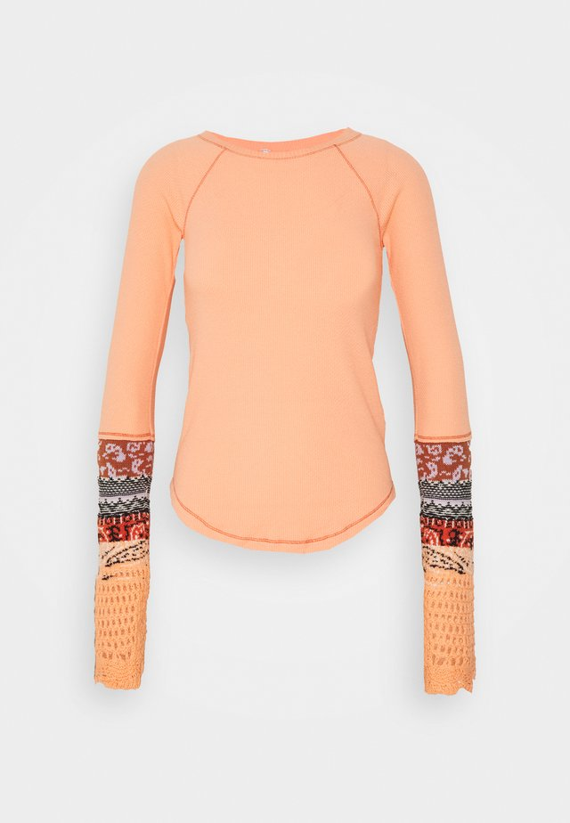 IN THE MIX CUFF - Maglione - desert orange