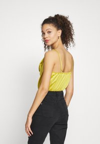 Missguided Petite - COWL NECK BODYSUIT - Topper - yellow - 2