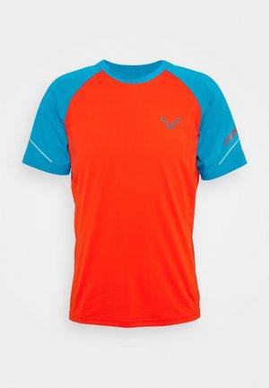 ALPINE PRO TEE - Print T-shirt - frost
