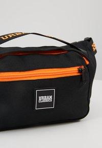 Urban Classics - SHOULDER BAG - Ledvinka - black/orange - 7