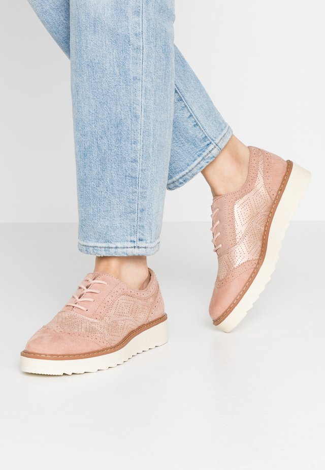 WIDE FIT - Lace-ups - nude