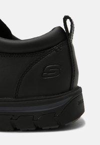 Skechers - SEGMENT RILAR - Casual lace-ups - black - 6