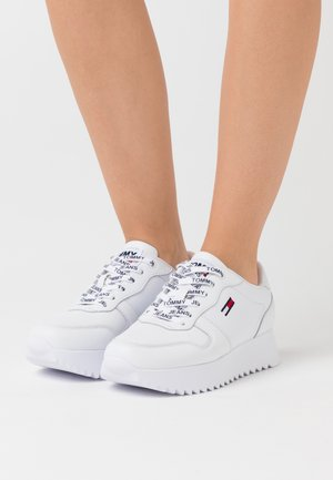 HIGH CLEATED  - Trainers - white