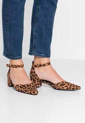 Classic heels - tan