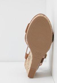 New Look Wide Fit - WIDE FIT POSSUM WEDGE - Højhælede sandaletter / Højhælede sandaler - tan - 6