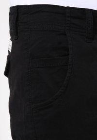 Jack & Jones - JJIPAUL JJWARNER  - Cargo trousers - black - 3