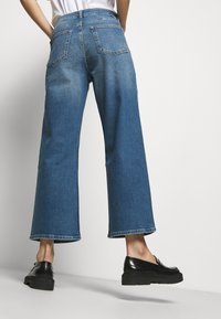 Boyish - MIKEY WIDE LEG - Flared Jeans - bicycle thieves - 4