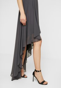 Lace & Beads - HANKERCHIEF HIGH LOW DRESS - Robe de cocktail - charcoal - 5