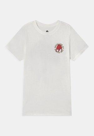 MAX SHORT SLEEVE TEE - Camiseta estampada - retro white/gold