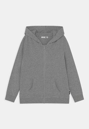 NKMNESWEAT CARD HOOD - Zip-up sweatshirt - grey melange