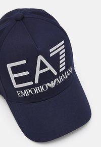 EA7 Emporio Armani - BASEBALL HAT UNISEX - Lippalakki - navy - 3