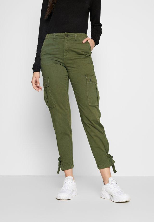 ONLELISE PANT - Pantaloni - kalamata