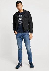 TOM TAILOR DENIM - T-shirt imprimé - sky captain blue - 1