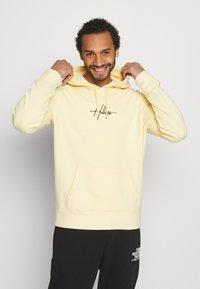 Hollister Co. - FLORAL SCRIPT UNISEX - Sweatshirt - yellow - 0
