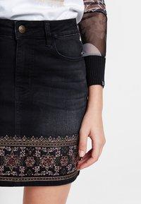 Desigual - A-snit nederdel/ A-formede nederdele - black - 3