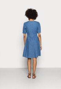 Anna Field - CHAMBREAY SHIRT DRESS - Denim dress - light blue - 2