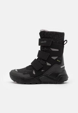 ROCKET UNISEX - Zimní obuv - schwarz/grau