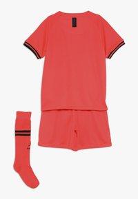 Nike Performance - PARIS ST GERMAIN AWAY KIT - Artykuły klubowe - infrared/black - 1