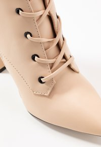 RAID - RAVEN - High heeled ankle boots - beige - 2