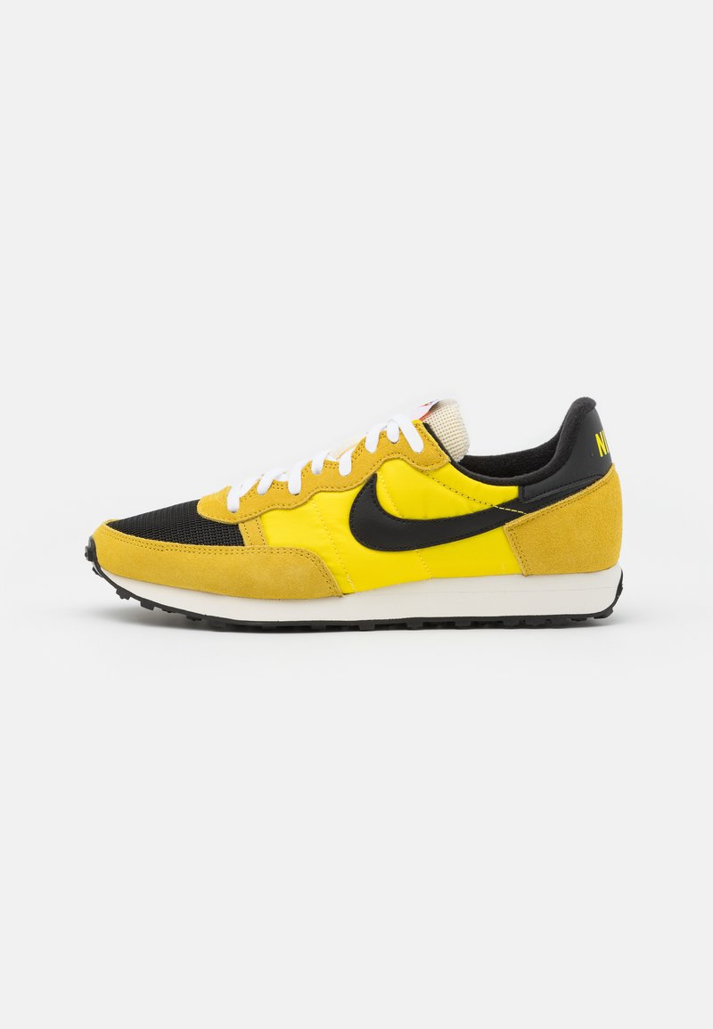 Nike Sportswear - CHALLENGER OG UNISEX - Tenisky - optic yellow/black/bright citron/white/sail
