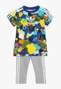 adidas Originals - TEE DRESS SET - Leggings - multco/white - 0