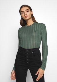 Gina Tricot - BEA TOP - Camiseta de manga larga - duck green - 0